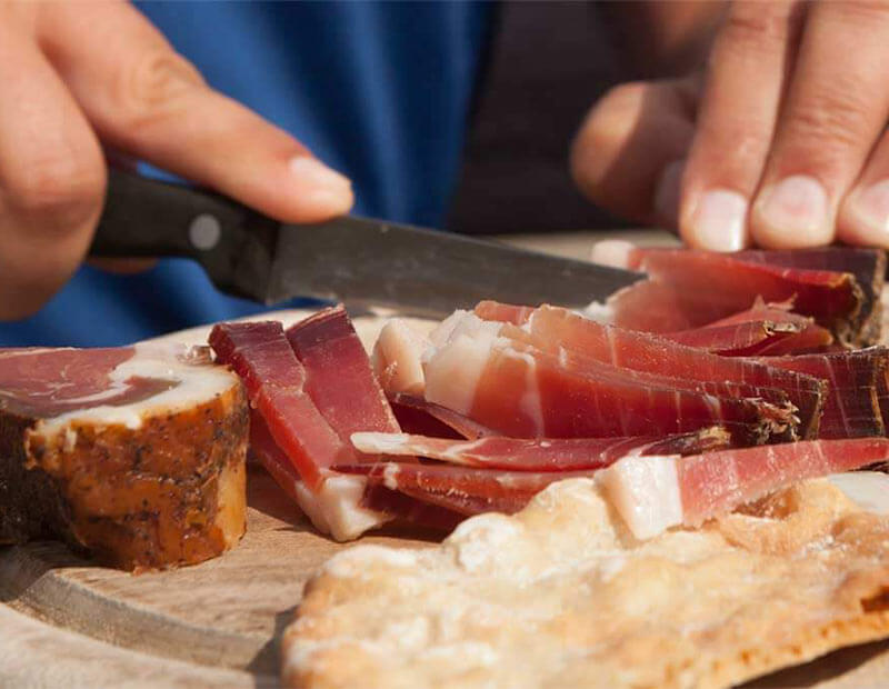 The right way to cut speck